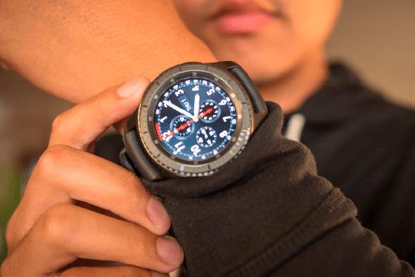 reloj inteligente hombre